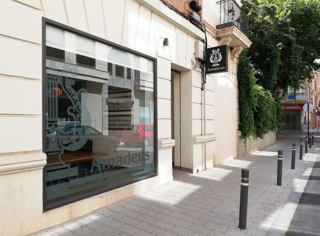 Amadeus Albacete: entrada por Blasco de Garay 15
